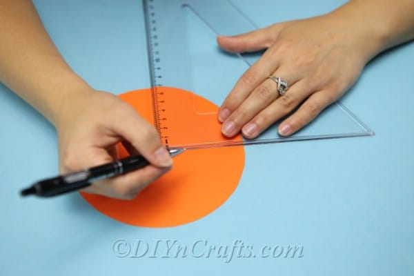 Adding lines to create folds on the diy gift box