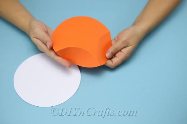 Folding a gift box made from cardstock