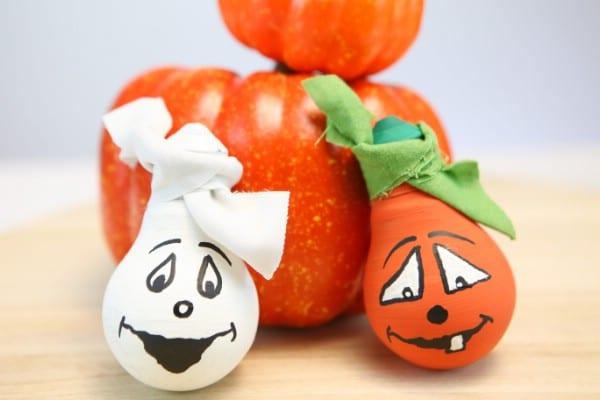 DIY Halloween Light Bulbs Ghost and Pumpkin