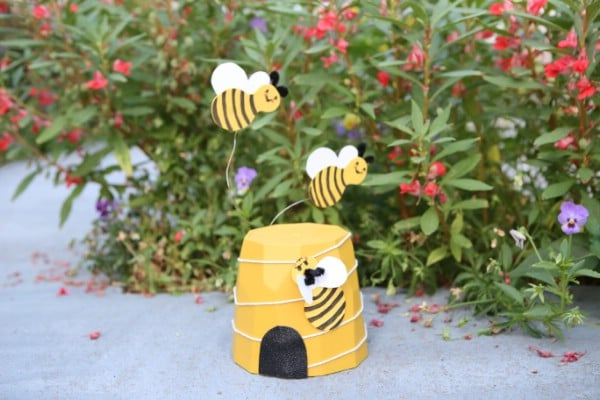 Flower Planter Bee Decoration for the Garden