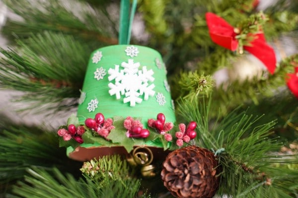 Adorable DIY Christmas Bell Decoration