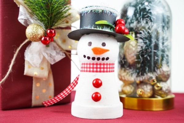 Easy DIY Christmas Snowman Decor from Clay Pot