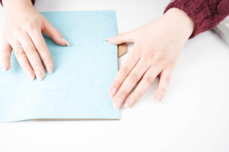 Placing blue background on framed hearts frame