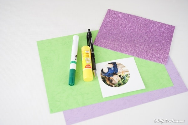 Supplies for a flower paper photo card
