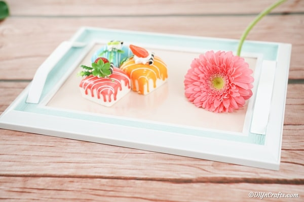 Picture frame tray with flower and candy