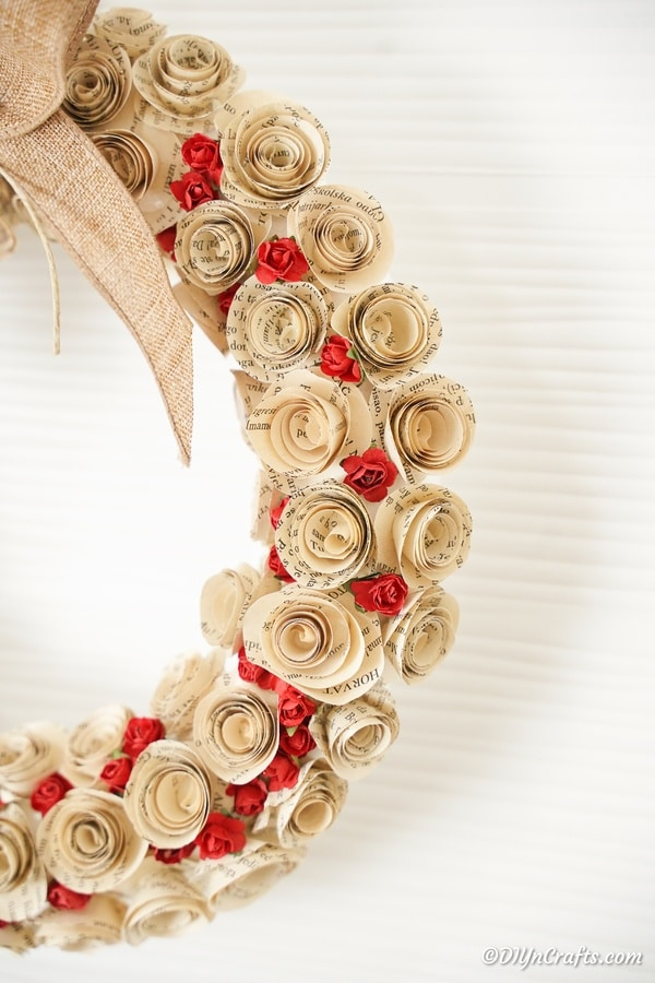 The side of a quilled rose wreath
