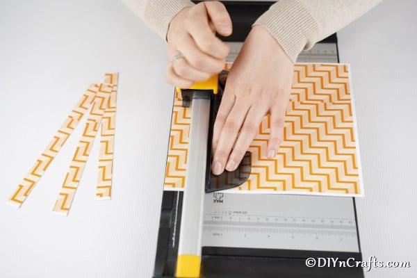 Cutting craft paper evenly
