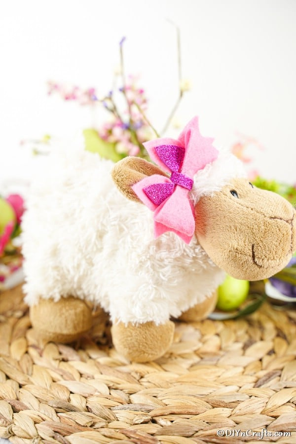 No sew bow on sheep stuffed animal