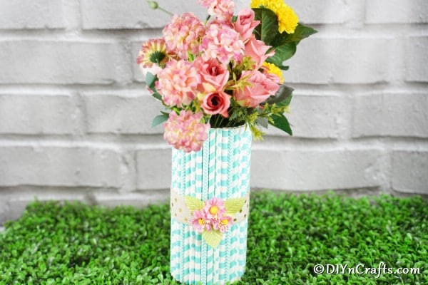 Gorgeous DIY Straw Decorated Mason Jar Vase