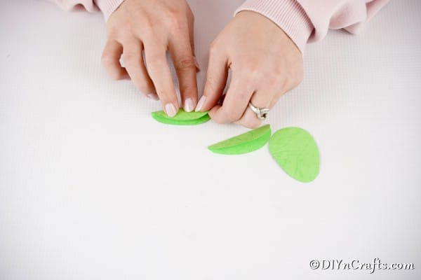 Folding egg shape paper