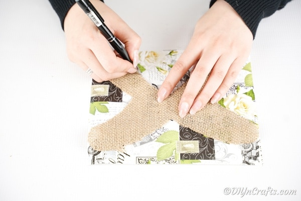 Using burlap as template on craft paper