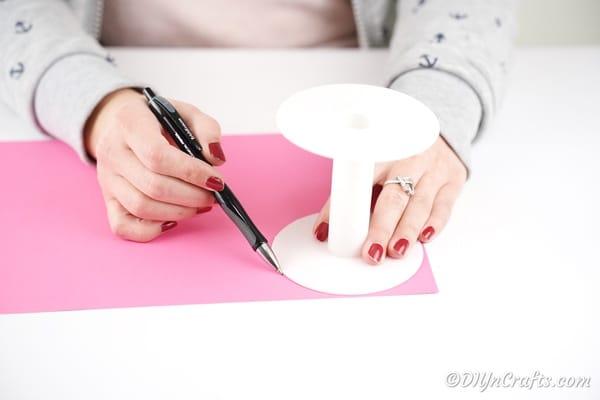 Tracing circles onto paper