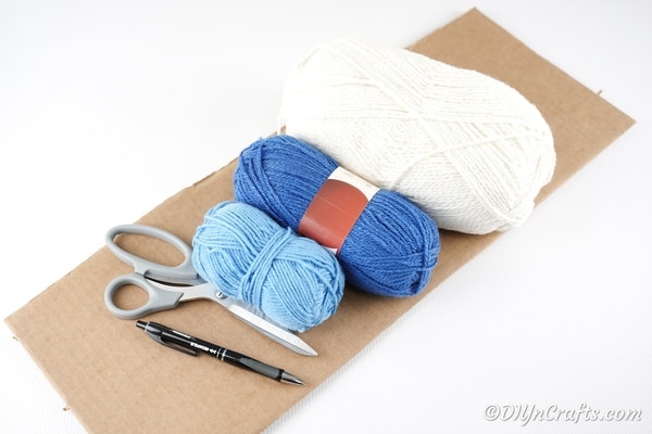 Supplies for yarn pom pom cloud