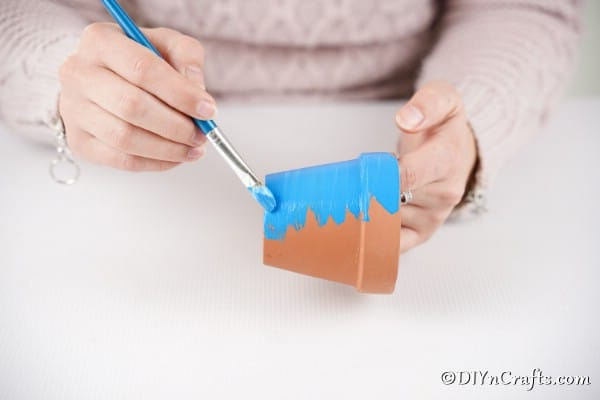 Painting flower pot