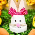 Flower pot Eater bunny with rubber duckies