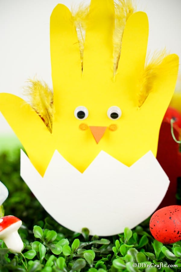 Yellow and white Easter handprint chicken card