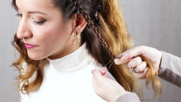 Securing hair with hair tie