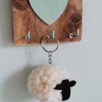 Woolly sheep keyring