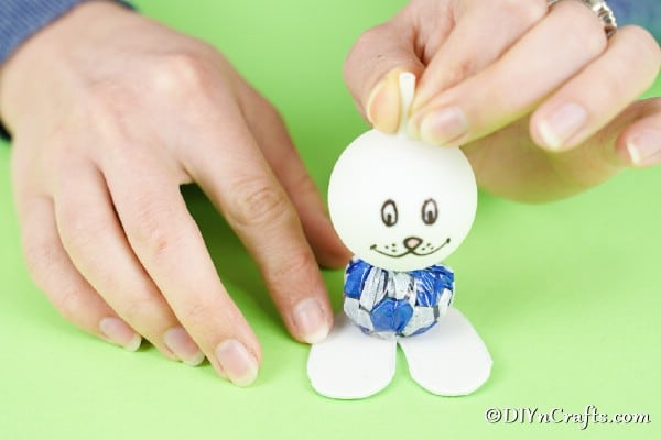Adding feet to bunny
