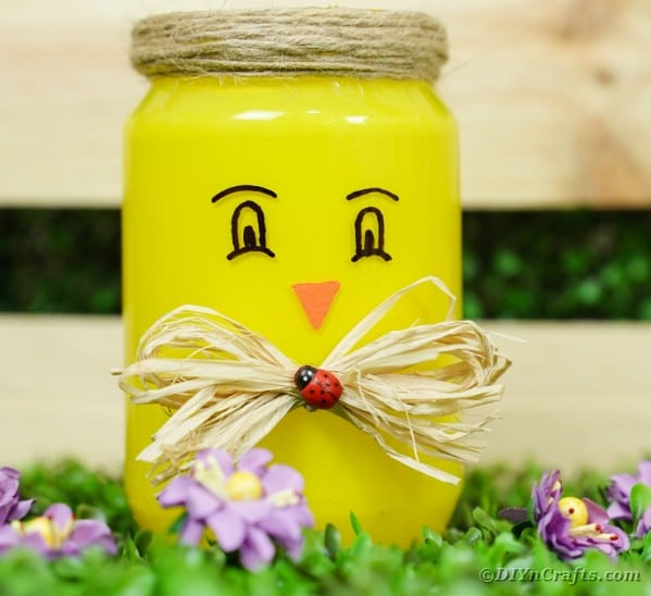 Cute Upcycled Mason Jar Chicken Vase