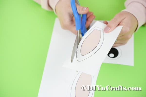 Cutting out bunny face