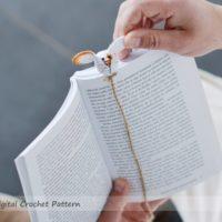 Easter crochet bunny rabbit bookmark pattern