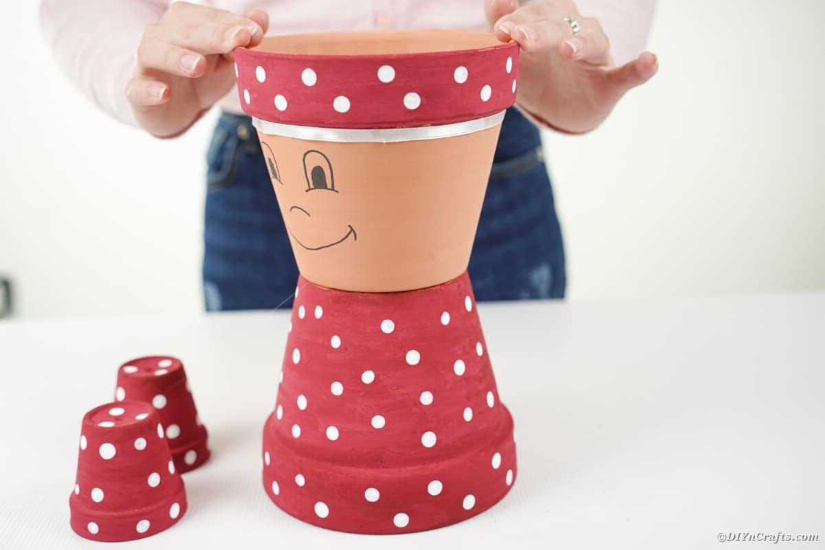 Gluing flower pots together