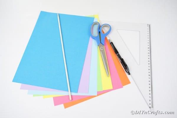 Supplies for making straw organizer