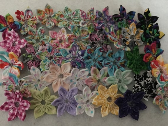 LOT of hand-sewn fabric flowers, 10 fabric flowers, Flower Grab Bag