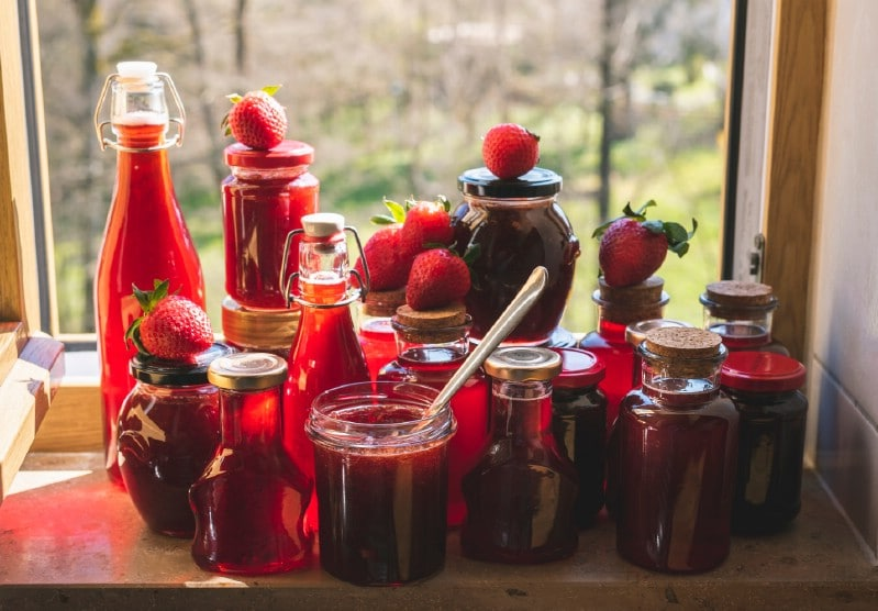 Preserved strawberries jams, syrups.