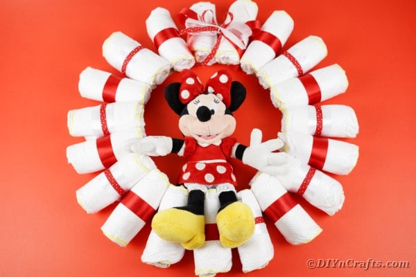 DIY Minnie Mouse Diaper Wreath Baby Gift