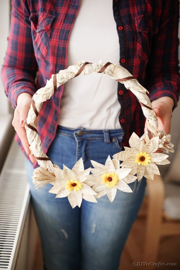 Wrapped paper wreath with flowers