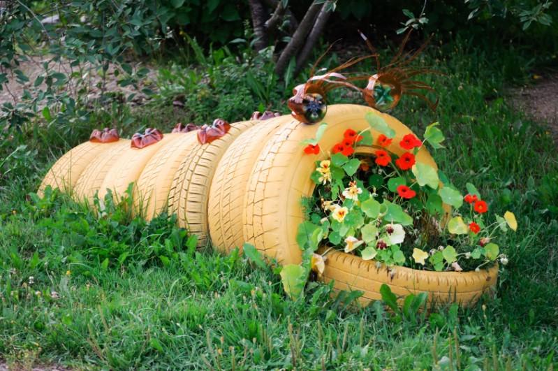 Build a Flowerbed Sculpture