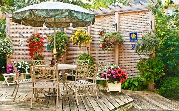 Hanging basket garden wall planter