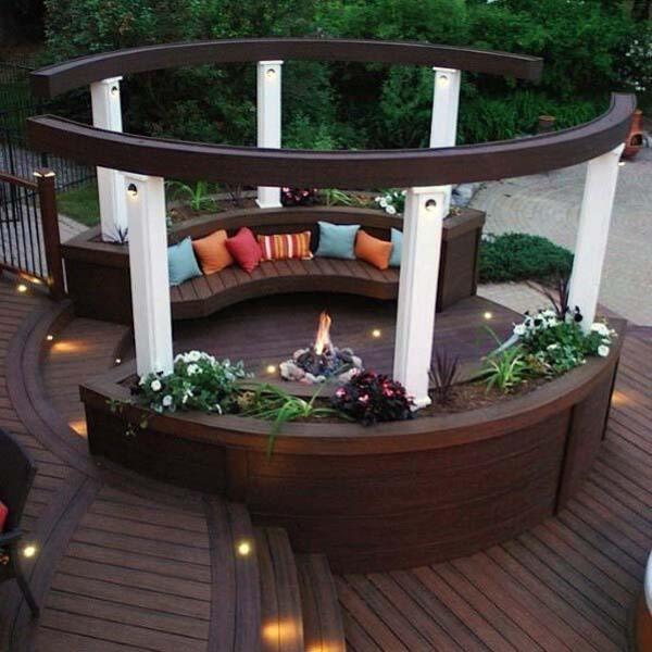 Round gazebo planter seats