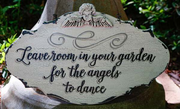 Angels dance sign