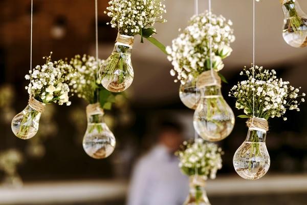 Lightbulb bud vase