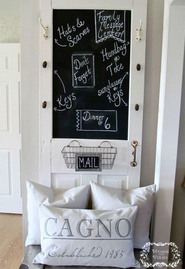 White door message stand