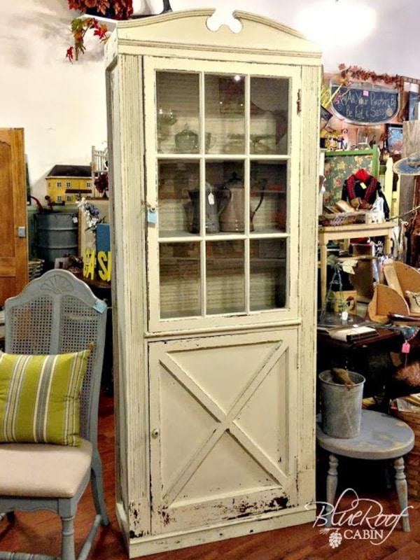 Cream vitnage door cabinet