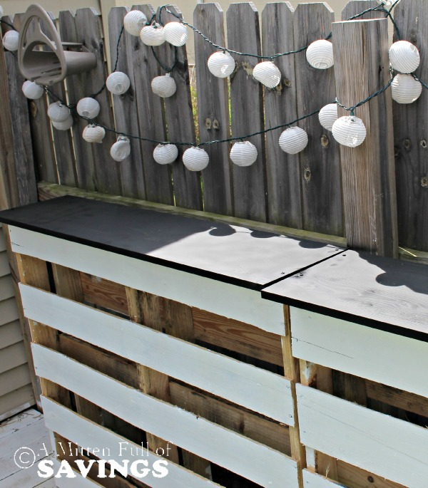White pallet thin bar