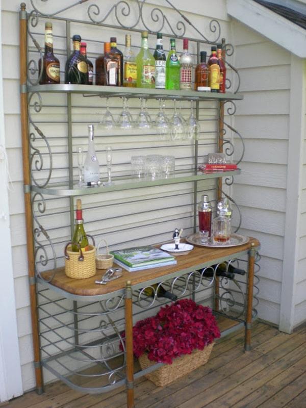 Baker stand metal bar