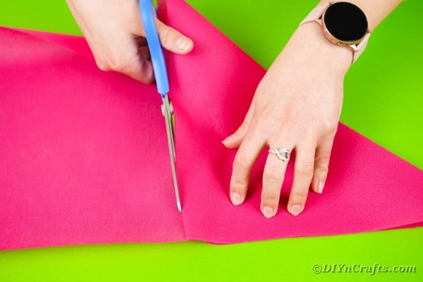 Cutting tissue paper