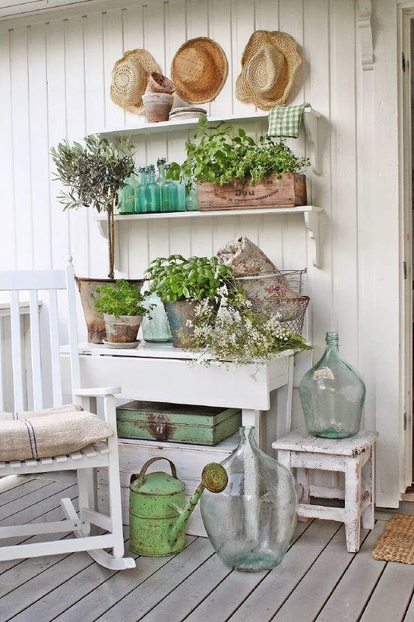 White and green decor