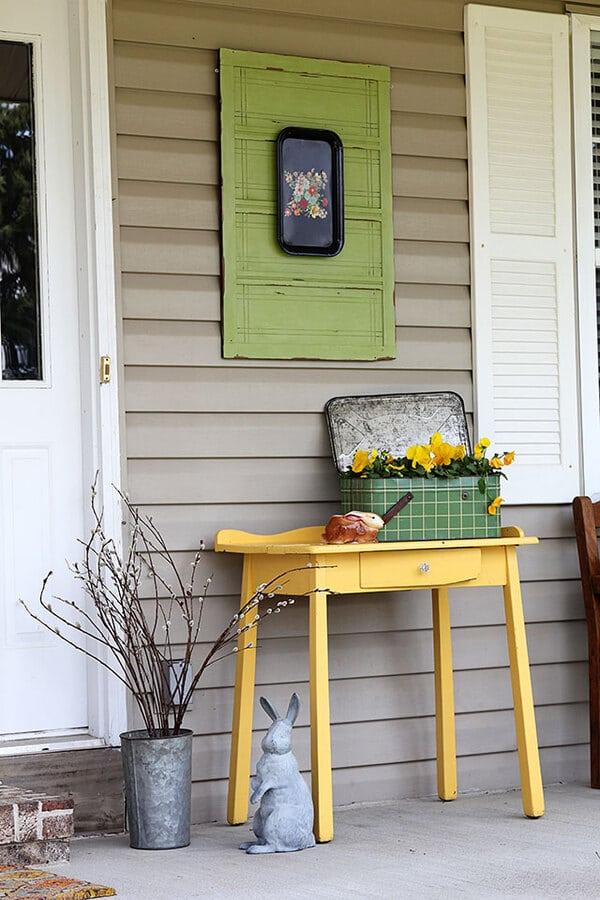 Vintage platter on green door