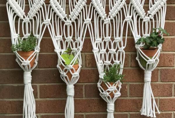Macarame plant holder