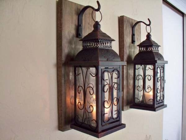 Rustic lantern sconce