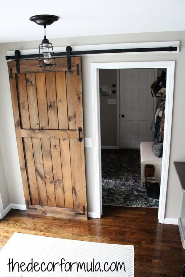 Sliding barn door bedroom door