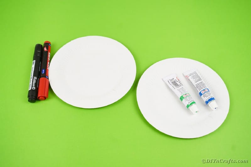 Supplies for paper plate bloodshot eyes