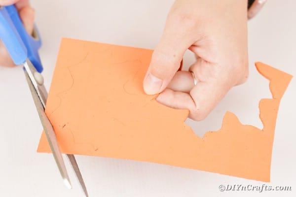 Cutting leaf outo f foam paper
