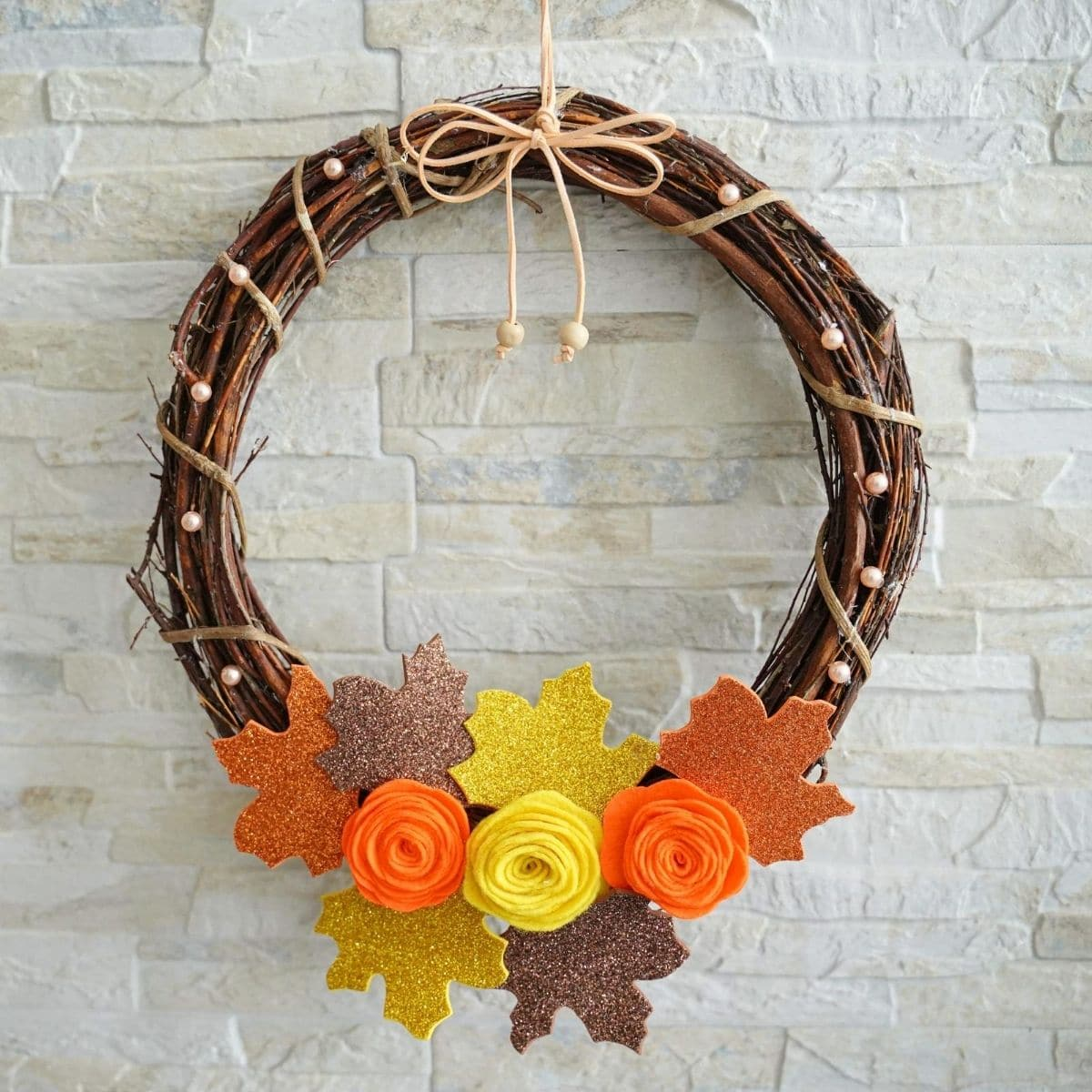 Rustic Fall Grapevine Wreath With Fabric Flowers Diy Crafts
